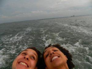 Eu e a Cintia, na barca
