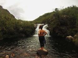 """""""ufa, valeu a pena andar até aqui"""" - cachoeira das flores, próxima ao camping e abrigo Rebouças"""